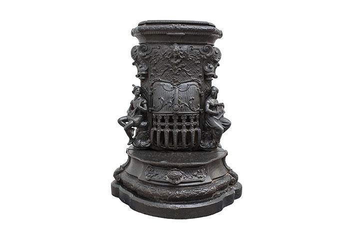 Антикварная Печь 1880 год в стиле Древний в наличии, Франция, конец 19 века